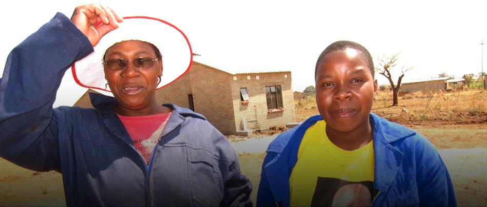 <b>ZINACHO </b> - Boligkooperativer bygger sine egne hus </br>– her medlemmer i Masvingo kooperativ